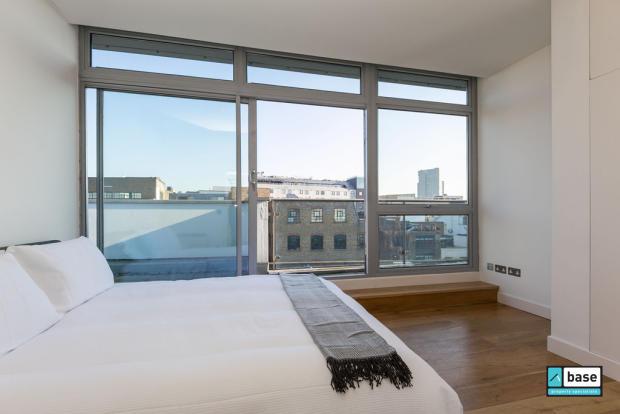 Master Bedroom al...
