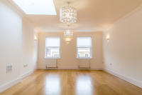 2 bedroom Apartment in Parkway, Camden, NW1
