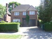 6 bedroom Detached house in Chalton Drive, London, N2