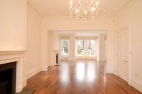 semi detached house in Coolhurst Road, London...