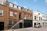 Flat to rent in Weymouth Mews, London...