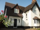 4 bed house to rent in Waltham Road, Twyford...