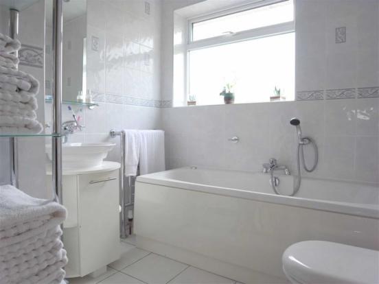 HOUSE BATHROOM/WC
