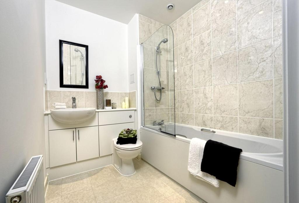 White Sand, Camber, Ward Homes, typical bathroom