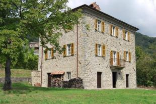 Stone House in Tuscany, Lunigiana for sale
