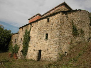 5 bed Farm House for sale in Tuscany, Lunigiana...