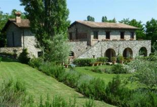 4 bedroom Farm House for sale in Tuscany, Lunigiana...