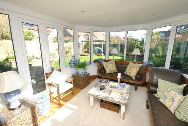 4 bedroom detached house for sale in cheltenham way for Detached sunroom