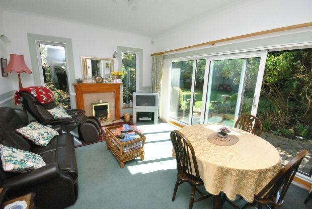 4 bedroom detached house for sale in devonshire avenue for Detached sunroom