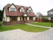 4 bedroom Detached property in Broad Street Green Road...