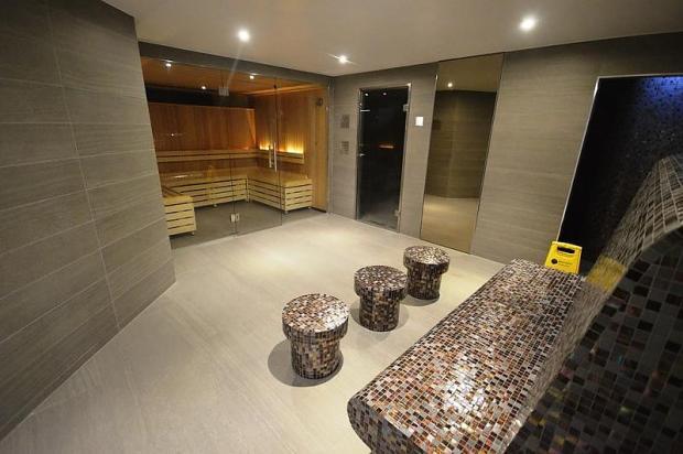 Sauna and steam room