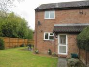 1 bedroom property to rent in Old Hatch Warren...