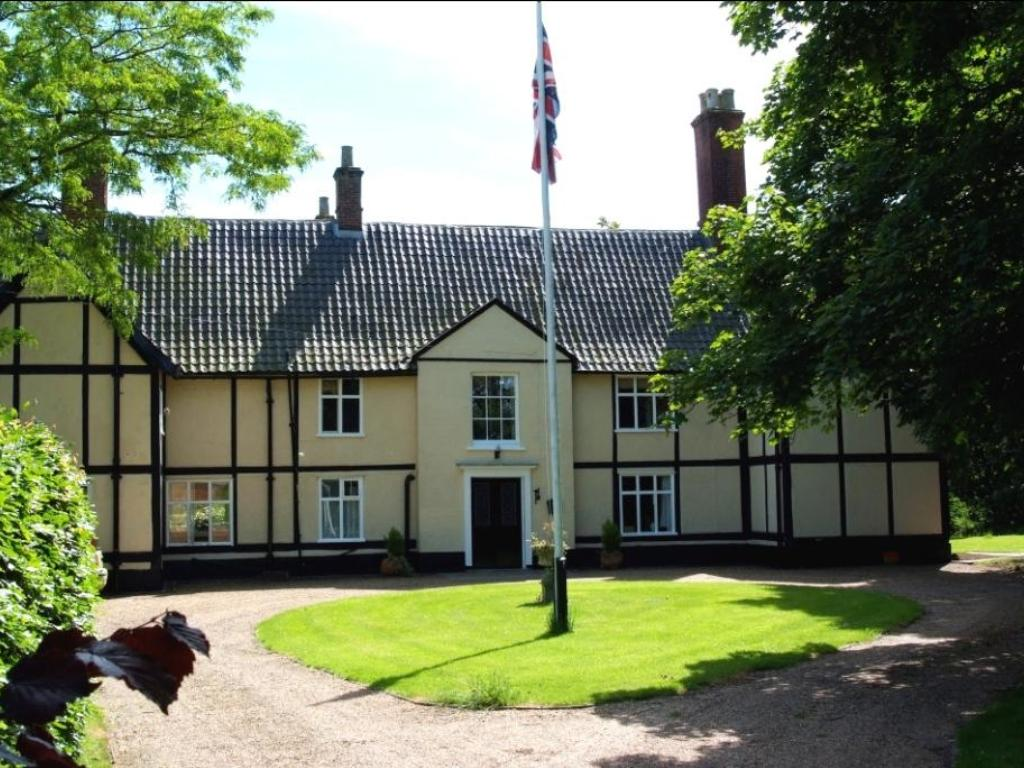 7 Bedroom Detached House For Sale In Wilby Near Attleborough Norfolk Norfolk Nr16