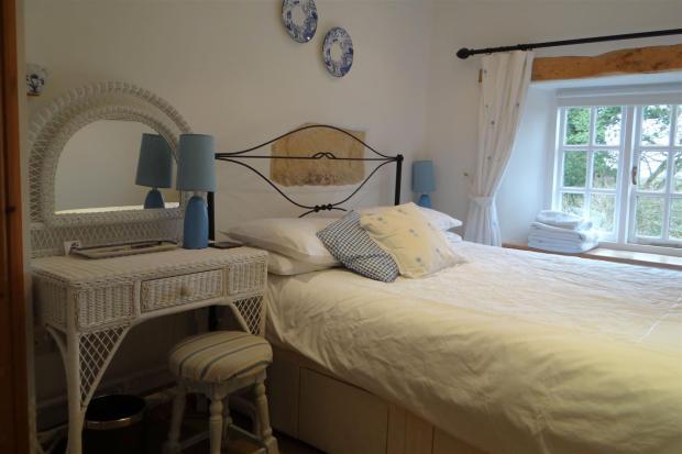 Bedroom1V1.JPG
