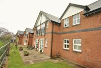 Flat to rent in Greenfield Lodge Ferma...