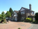 6 bed Detached home to rent in Wilmslow, Cheshire