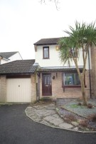 3 bed semi detached property to rent in Slipperstone Drive...