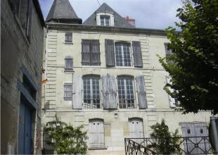 6 bedroom house in Chinon