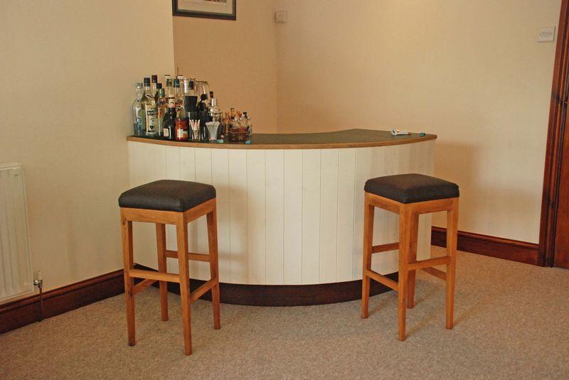 Bar Area In Sn...