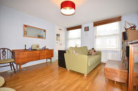 Apartment to rent in Tivoli Road, London, N8