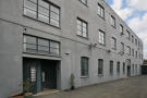 2 bedroom Ground Flat in Sternhall Lane, London...