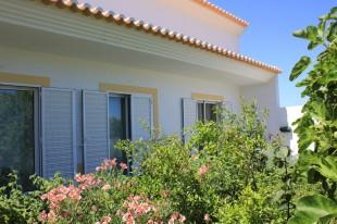 2 bed property in Algarve...