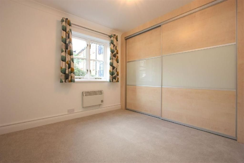 bedroom apartment to rent in Baltic Place London Hackney N1 N1