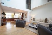 Apartment for sale in Dingley Place...