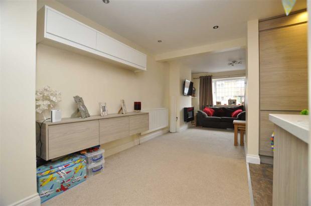 Further lounge area