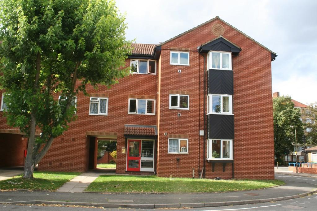 2 Bedroom Apartment For Sale In Chatsworth Place Mitcham Cr4 Cr4