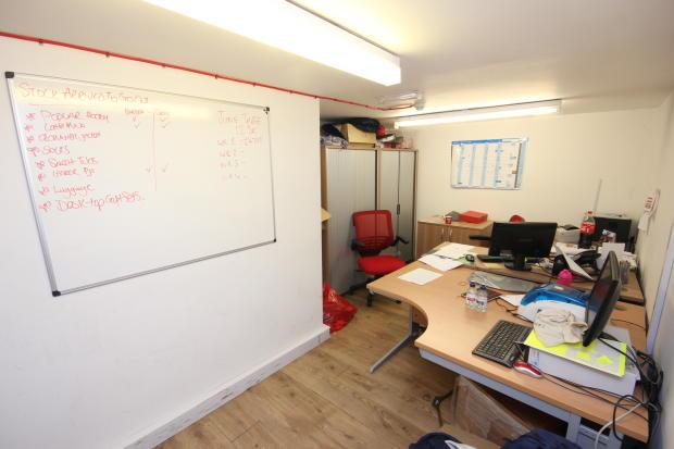 Hull KR Office