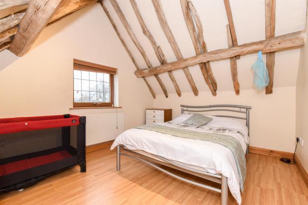 Annexe Bed 1.jpg