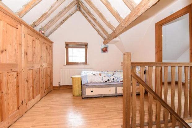 Annexe Landing:Bed 2