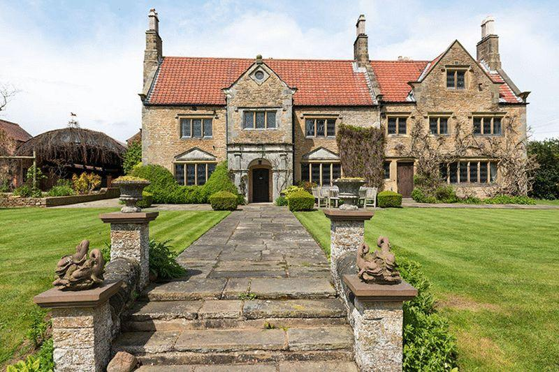 9 bedroom country house for sale in crayke manor crayke for Manors for sale in usa