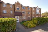 2 bed Apartment in Redford Close, Feltham
