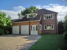 4 bed Detached house in Fawkham Avenue, New Barn...