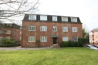 3 bedroom Apartment for sale in Craigmount, Radlett...
