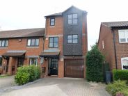 3 bed Town House for sale in Parr Close, Warwick, CV34