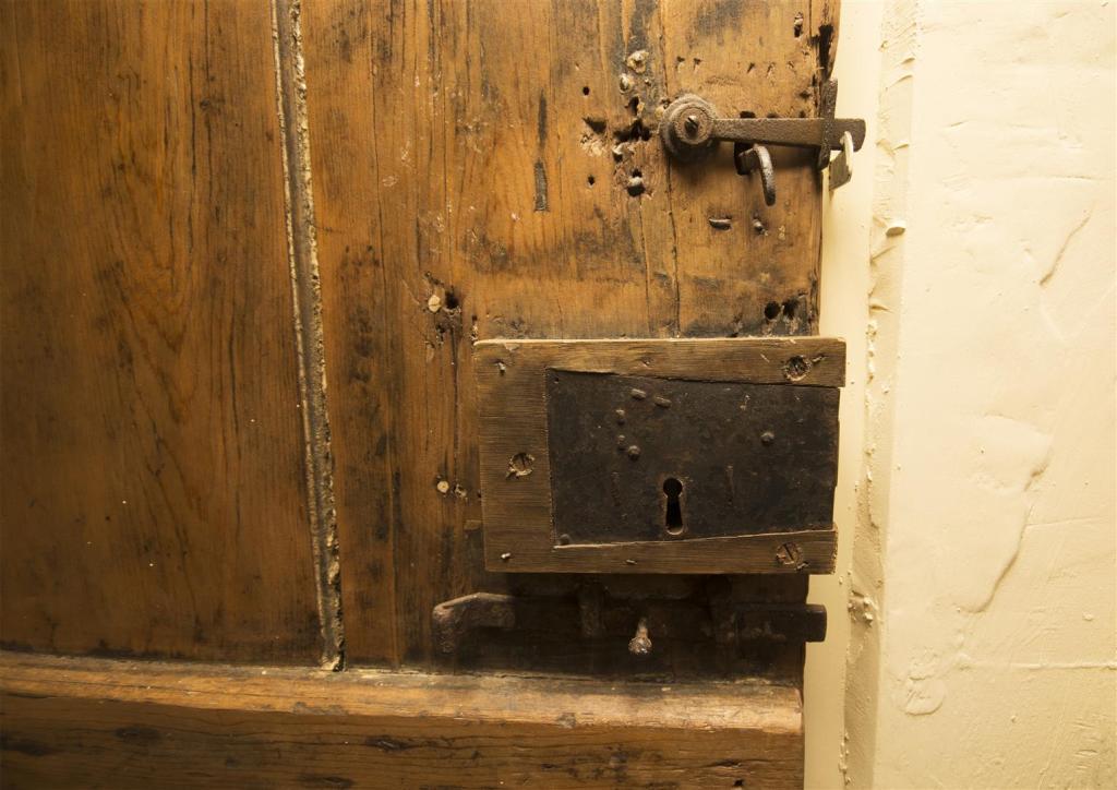 Door close up.jpg