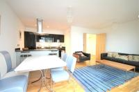 2 bed Flat in Oval Road ...