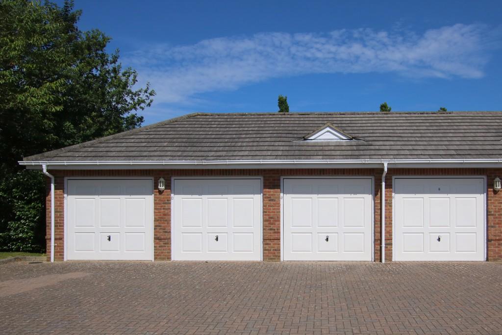 Pennyfarthing Homes,Drive,Parking,Garage