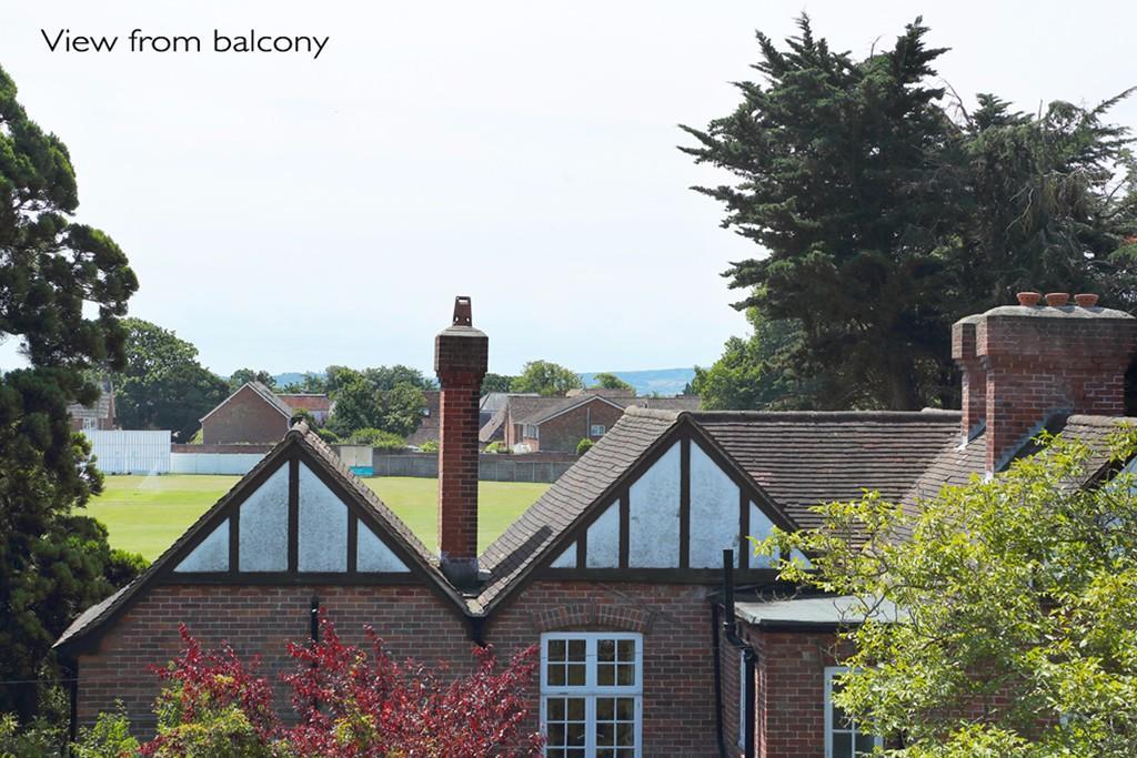 Pennyfarthing Homes,View