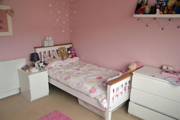 10 Bedroom 2-2.JPG
