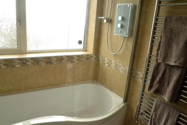 14 Bathroom 2.JPG