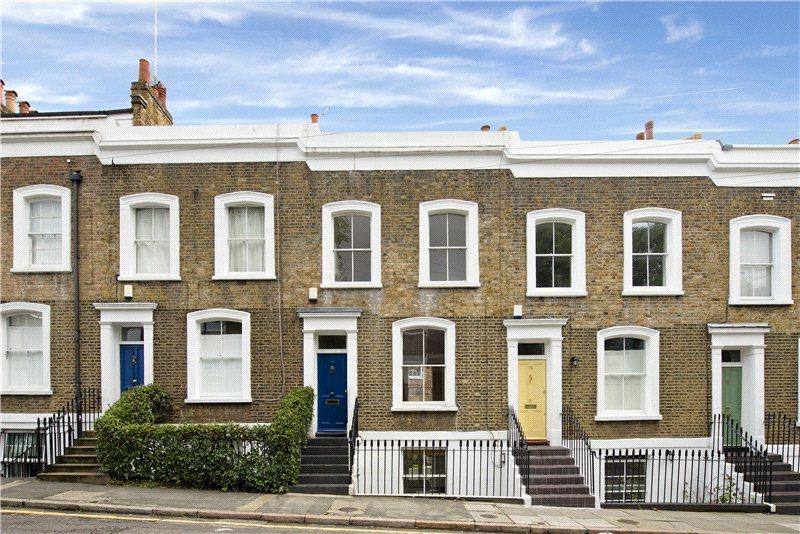3 bedroom terraced house for sale in Queens Head Street ...