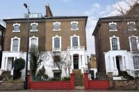 5 bed semi detached property in Camden Road, London