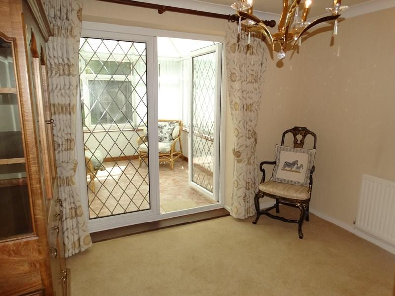 Bedroom Two/Di...