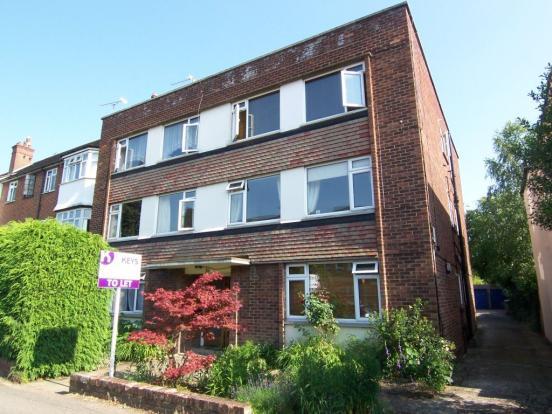 2 Bedroom Apartment To Rent In Chestnut Grove New Malden Kt3