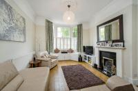 Flat in Oxberry Avenue, SW6