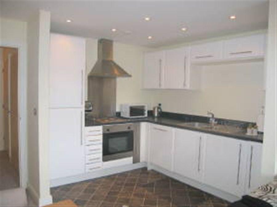 2 bedroom apartment to rent in Newport House Worcester
